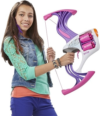 Chica con Nerf Rebelle Flipside